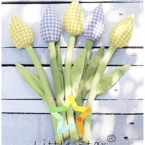 Tulipany z materiału na zielonej łodydze